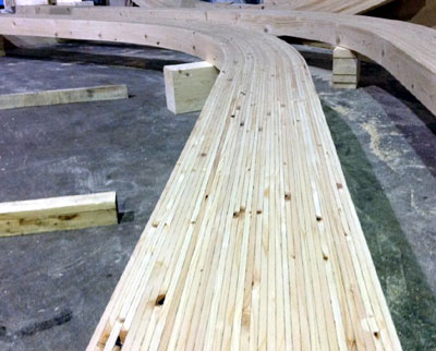 Large curved beam in Glulam