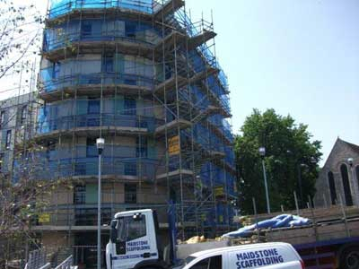 Travel lodge Maidstone in scaffold - rusty steel on new build